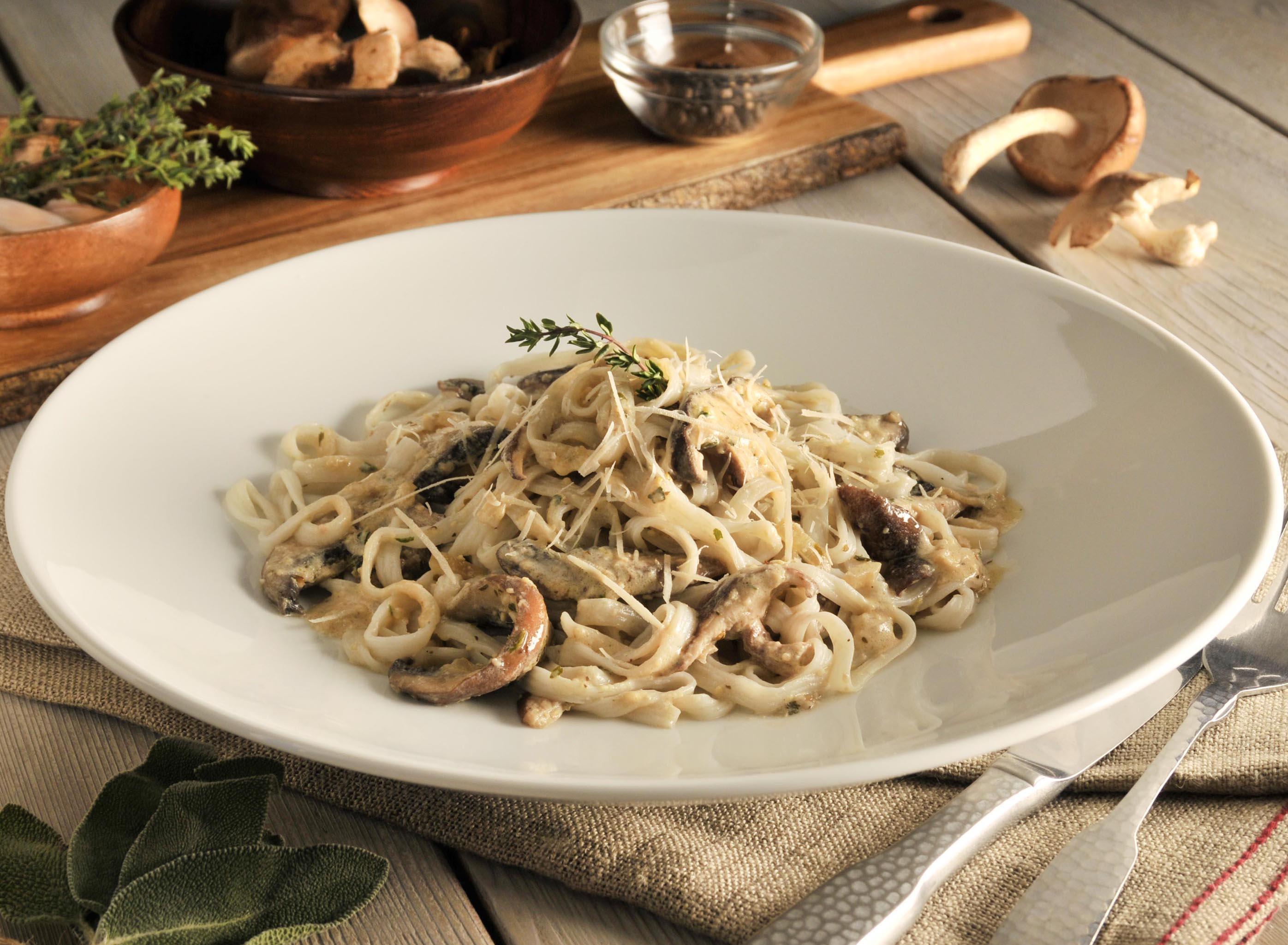 mushroom-fettuccine-recipe-nupasta-low-calorie-pasta